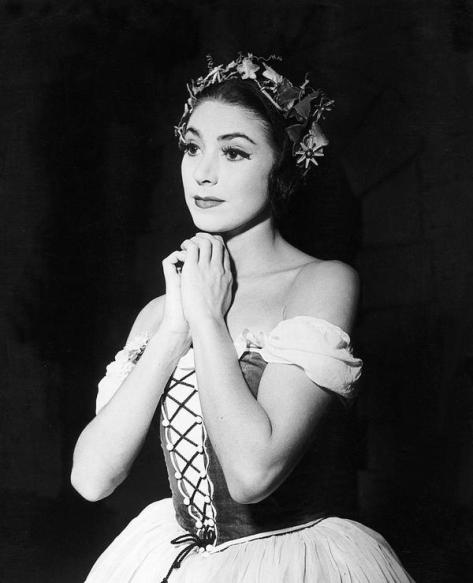 #OnThisDay 11th October 1949 Ballet Dancer Margot Fonteyn at the opening performance at the Metropolitan Opera