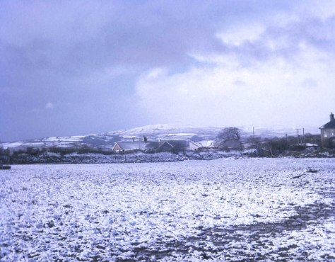 Winter_snow_at_Bray_Shop_-_geograph_org_uk_-_797637This photograph was taken in January, 1978, and shows the village of Bray Shop in Cornwall, England blanketed in snow.