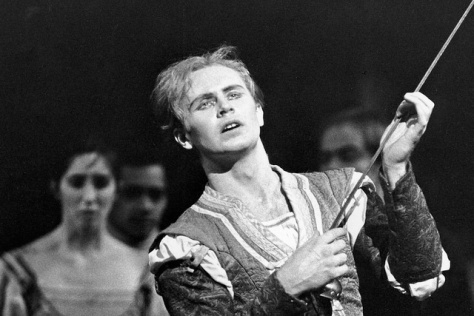 Errol Pickford as Mercutio in Romeo and Juliet © Leslie Spatt Royal Ballet Royal Opera House