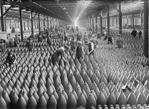 Women_at_work_during_the_First_World_War-_Munitions_Production,_Chilwell,_Nottinghamshire,_England,_UK,_c_1917_Q30011A Around 21 August, 1917