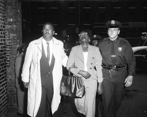 http___a_amz_mshcdn_com_wp-content_uploads_2016_01_mlkstabbing-7Izola Curry under arrest after stabbing Martin Luther King in the chest 20th September 1958.