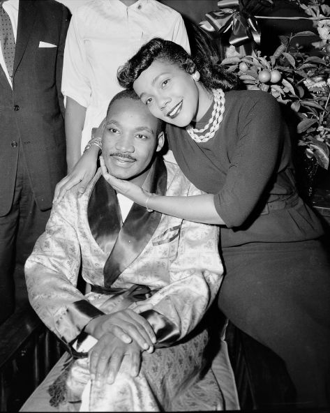 Izola Curry http___a_amz_mshcdn_com_wp-content_uploads_2016_01_mlkstabbing-3On Sept. 20, 1958, 29-year-old Dr. Martin Luther King, Jr. in hospital with wife Coretta 30th September 1958