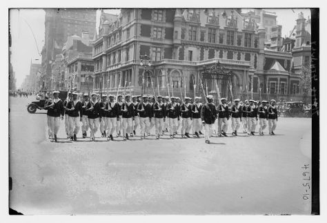 July_4th_parade_LOC_28705978521Fourth of July parade Fifth Avenue New York City 1918 background Cornelius Vanderbilt II House occupying northwest corner of Fifth Avenue and 57th Street d