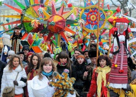 Парад_вуличних_вертепів_у_Львові,_початок_2010-х Winter Koliada and Ukrainian Christmas in Lviv Ukraine