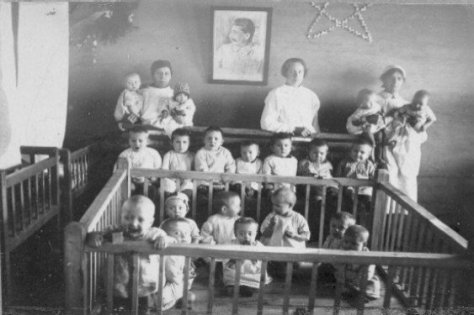 These aren't children in a Nazi concentration camp they're Soviet children in communist gulags during Stalin's reign. D0-Mjc6XgAAx3jb