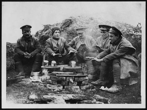 Keeping_warm_while_waiting_for_lunch_(4688538866) Sherwood Foresters British Army Somme WW1